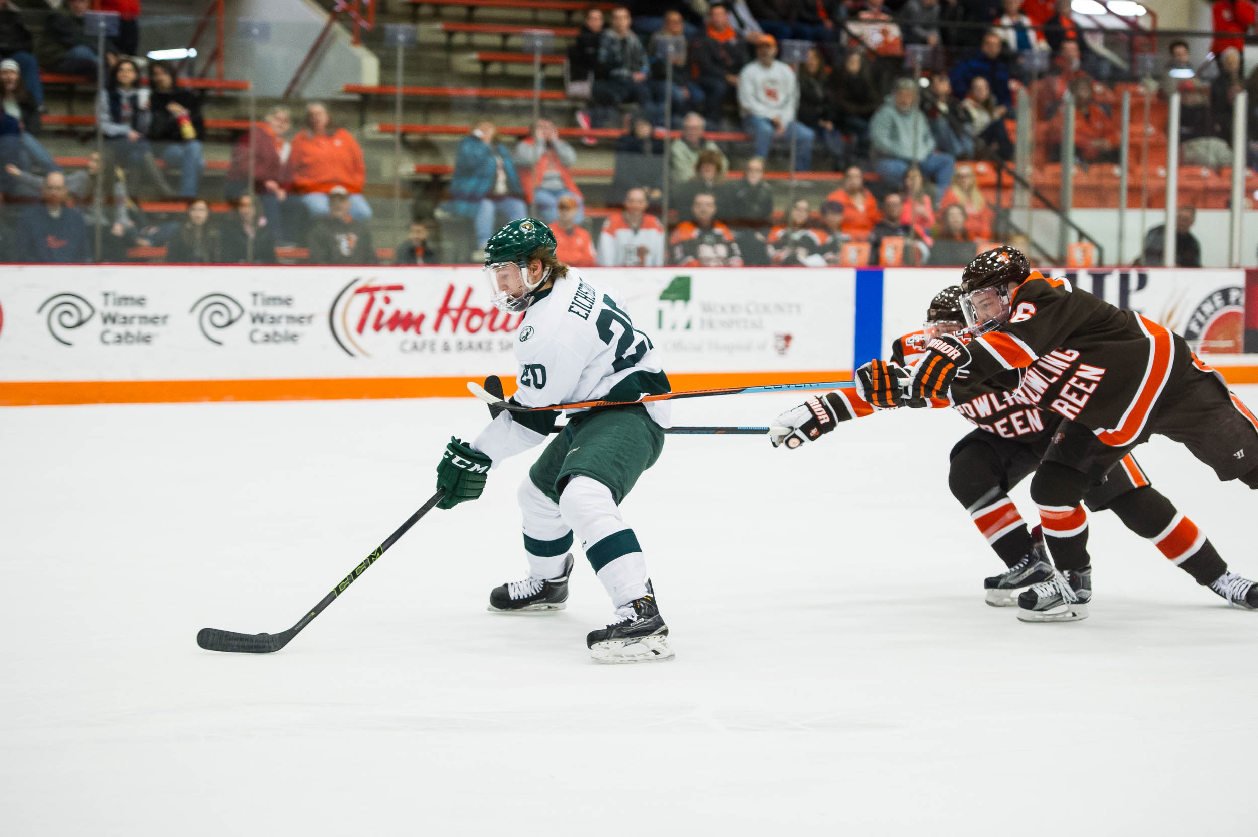 Mistakes cost Falcons dearly in 3-1 loss to Beavers